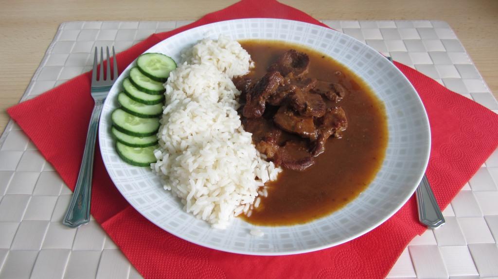 Vepřové kousky s rýží