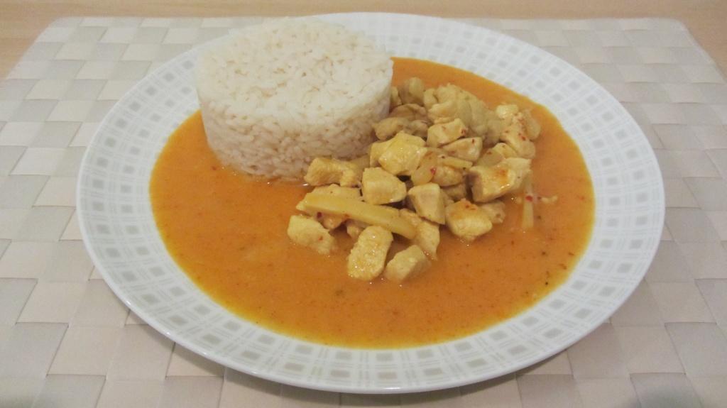 Kuřecí kari s rýží