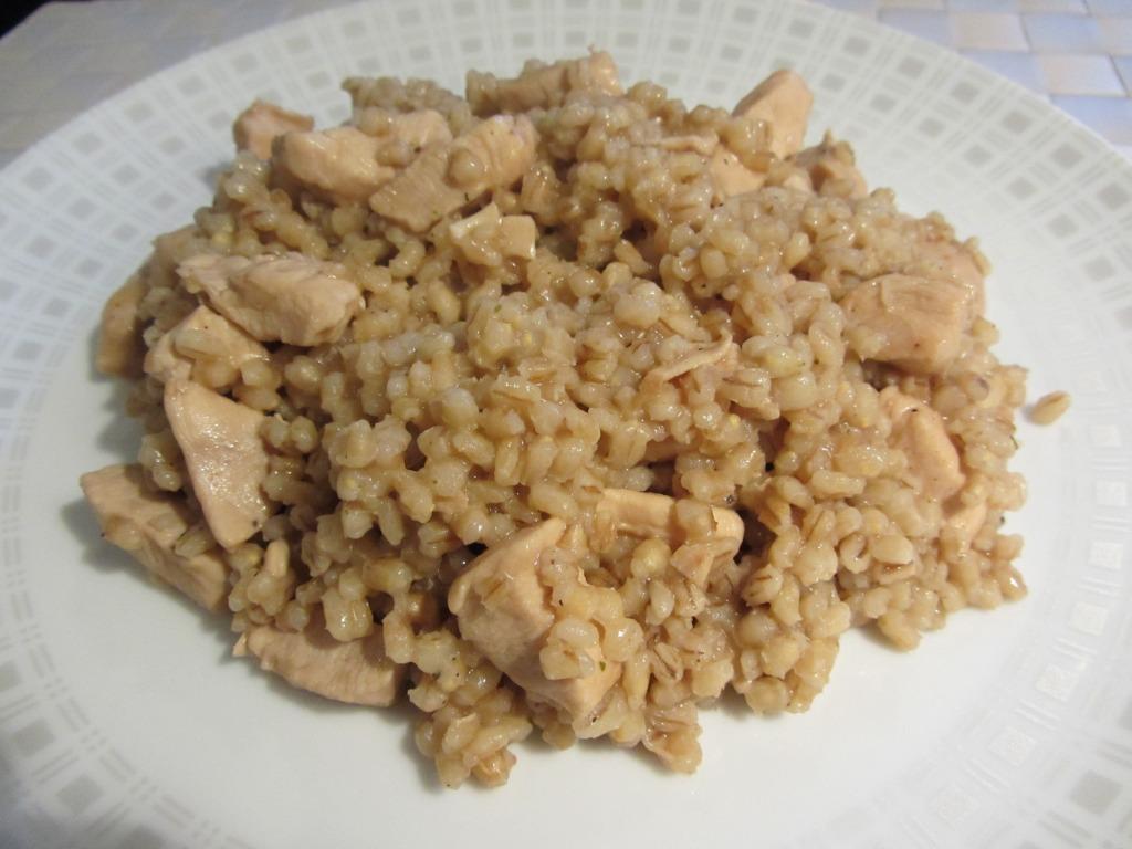 Kroupové rizoto s kuřecím masem