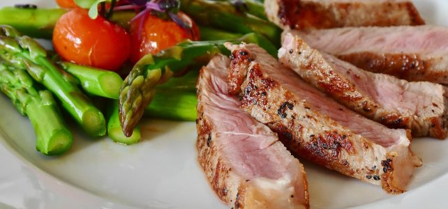 Bílkovinová dieta: Sestavte si jídelníček a shoďte až 7 kilo